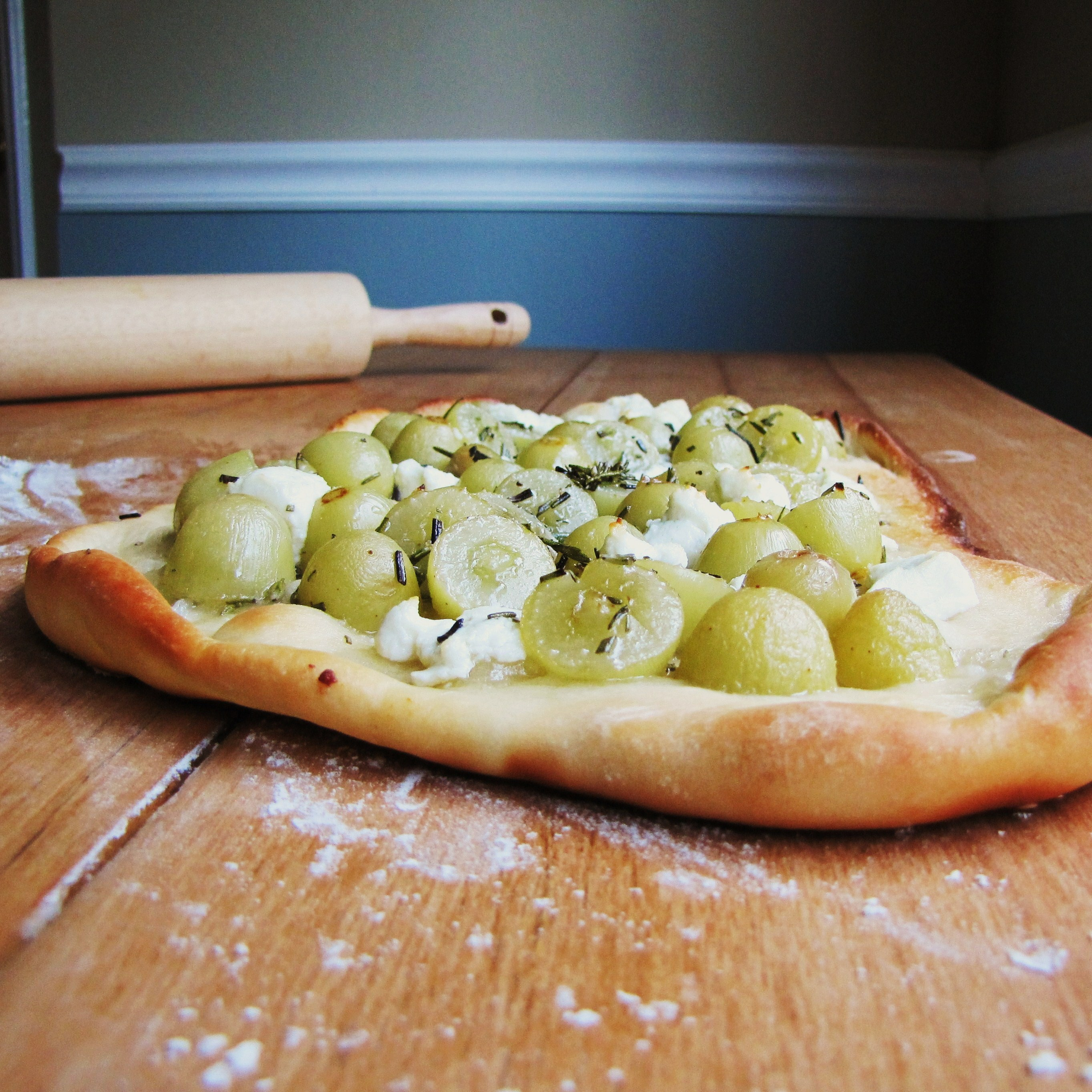 A Summer Pizza – Rosemary, Grapes, and Chevre