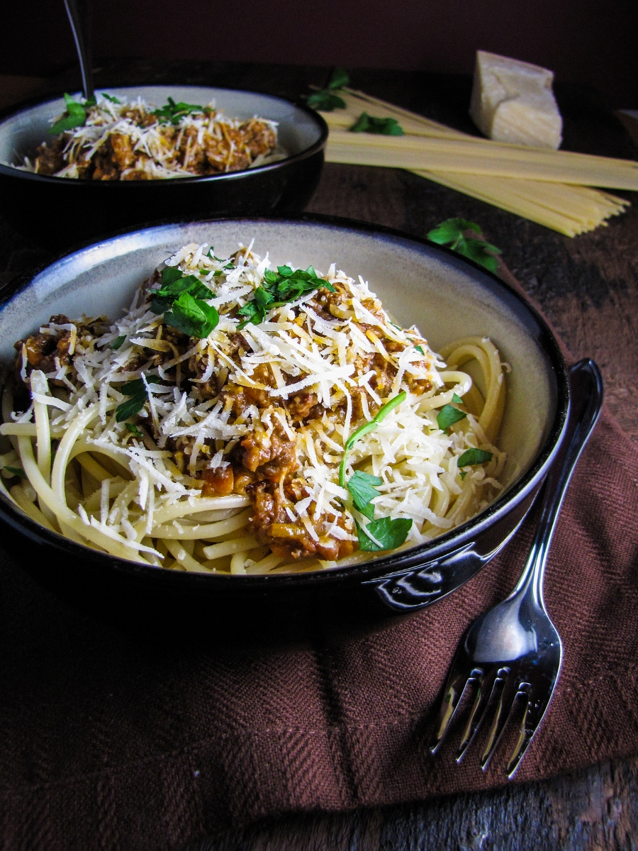 Cookbook Review: La Cucina Italiana and Classic Spaghetti Bolognese