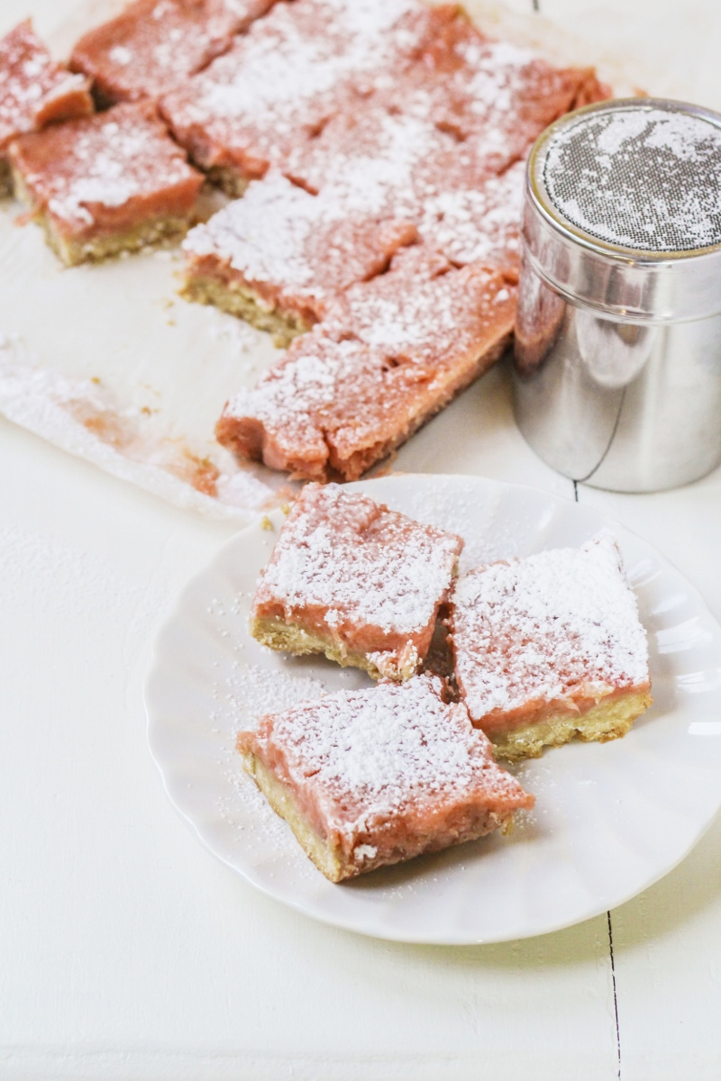 Ingredient of the Week: Rhubarb // Rhubarb-Ginger Bars
