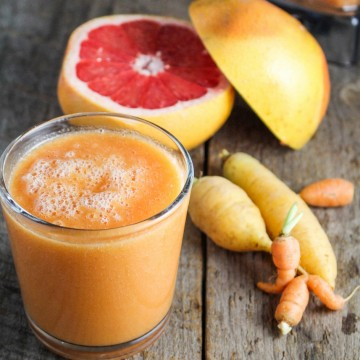 Carrot-Grapefruit-Mango Smoothie {Katie at the Kitchen Door}