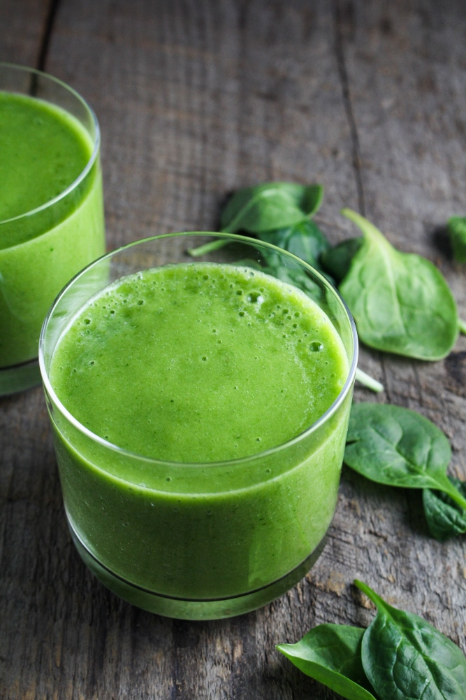 Winter Cleanse 2014: Healthy Breakfast Recipes - Sweet Green Smoothie {Katie at the Kitchen Door}