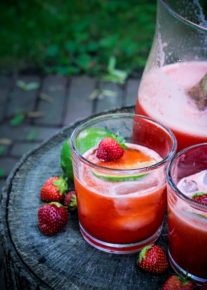 13 Recipes for Spring - Strawberry Lime Agua Fresca {Katie at the Kitchen Door}