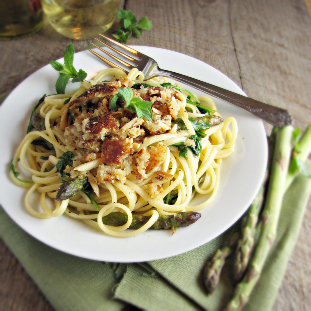 13 Recipes for Spring - Asparagus and Arugula Pasta with Almond Parmesan Crumble {Katie at the Kitchen Door}
