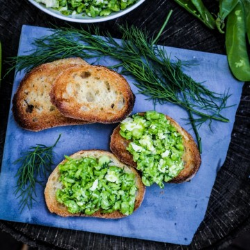 13 Recipes for Spring - Smashed Pea, Dill, and Feta Crostini {Katie at the Kitchen Door}