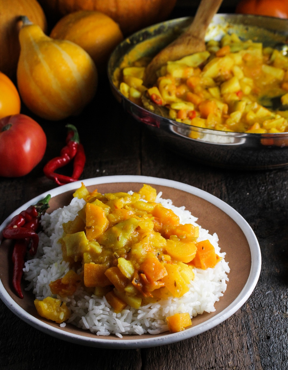 Cooking from the Garden // Bangladeshi Yellow Pumpkin Curry