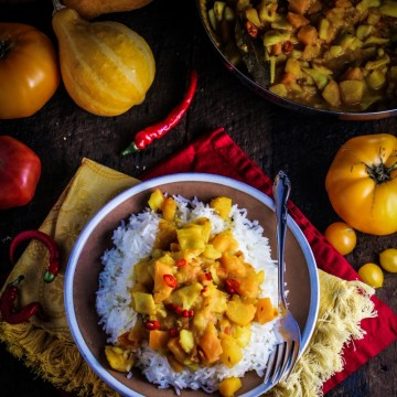 10 Healthy Winter Recipes - Bangladeshi Yellow Pumpkin Curry {Katie at the Kitchen Door}