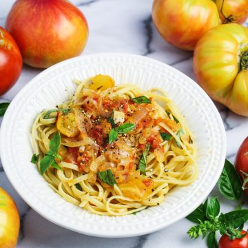 Heirloom Tomato and Sweet Onion Spaghetti {Katie at the Kitchen Door}