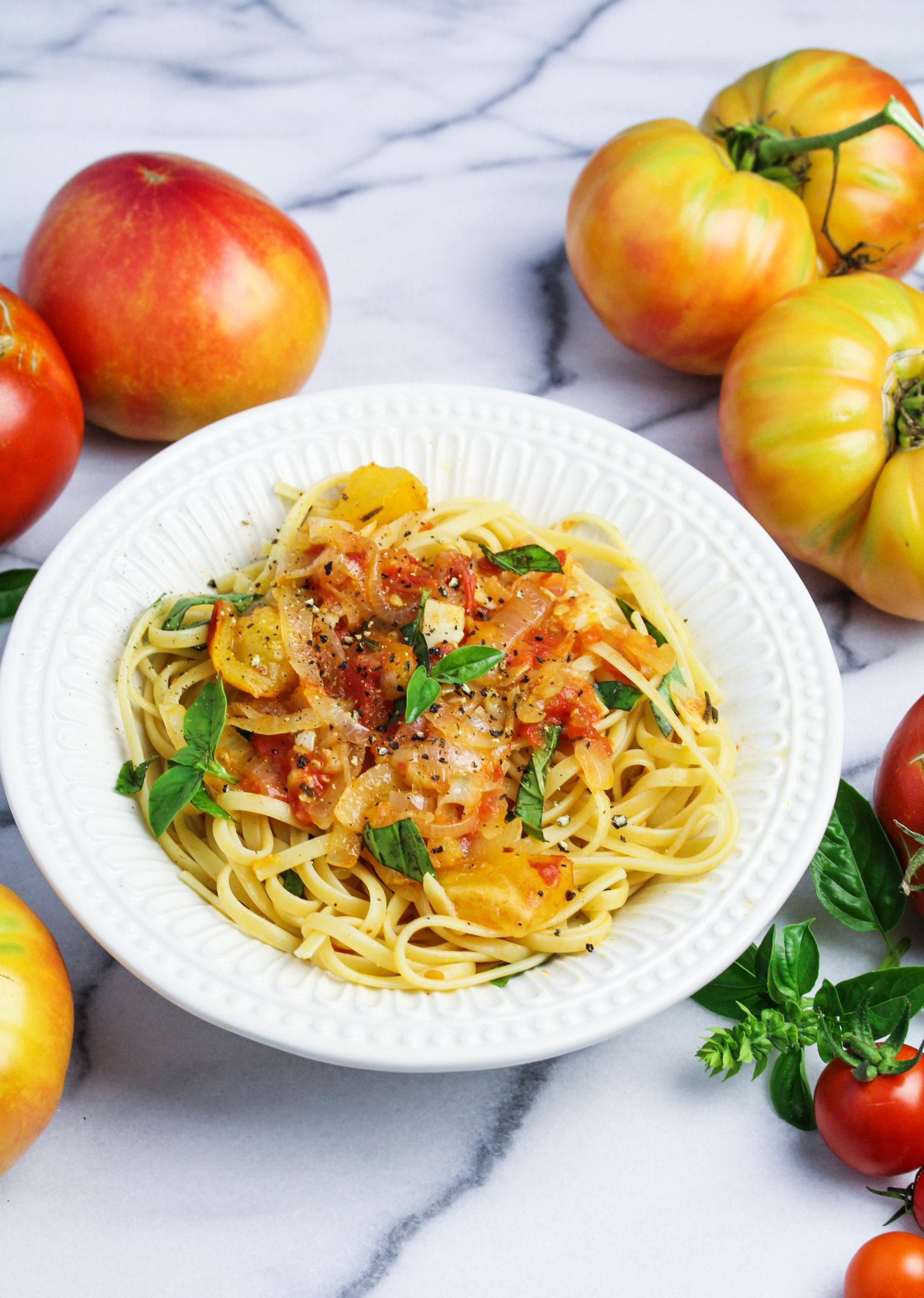 Heirloom Tomato and Sweet Onion Spaghetti