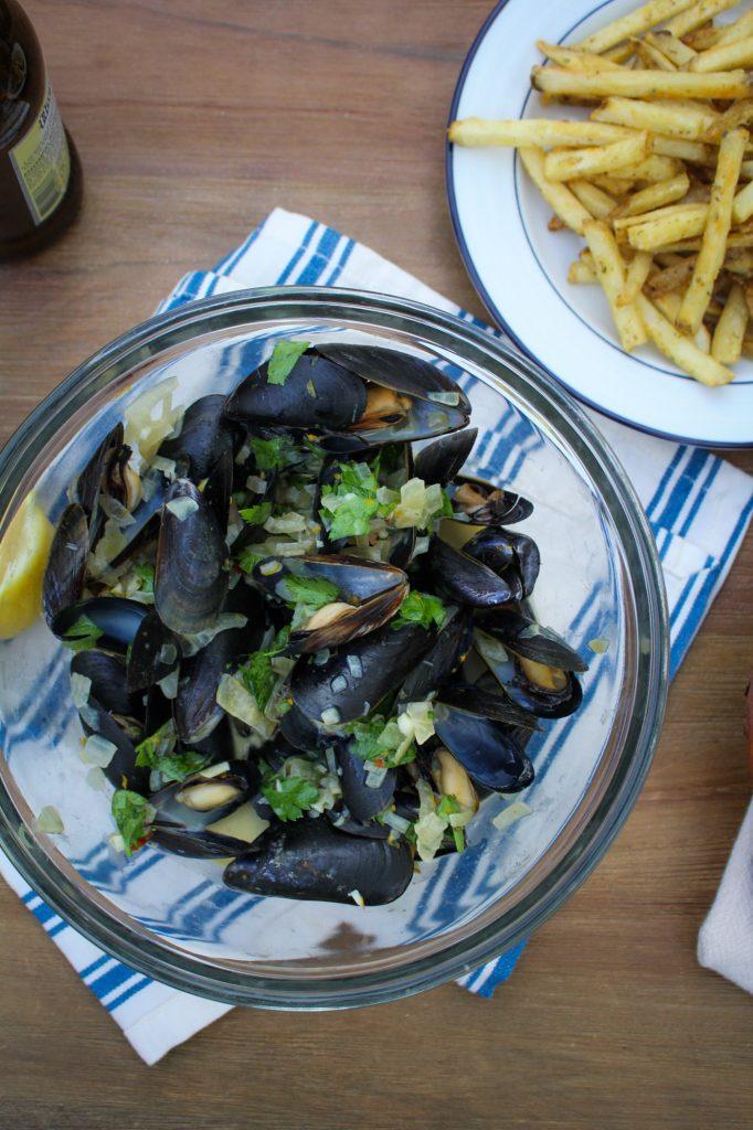 Ale-Steamed Mussels with Creme Fraiche {Katie at the Kitchen Door} #itsWHOgaarden #sponsored