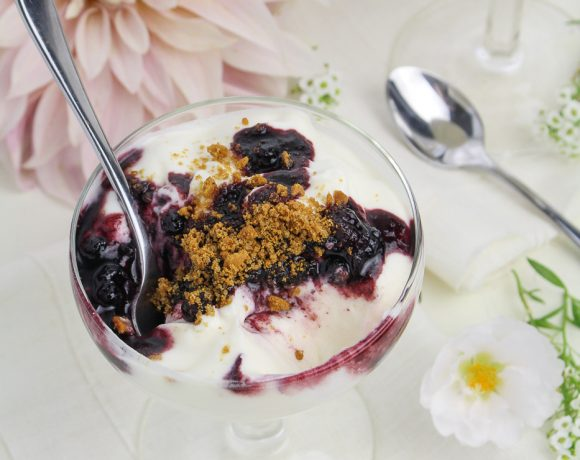 Scandinavian Dinner with La Crema: Skyr Mousse with Wild Blueberries and Sweet Gingerbread Crumbs